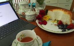 lela_bay_tea_crop